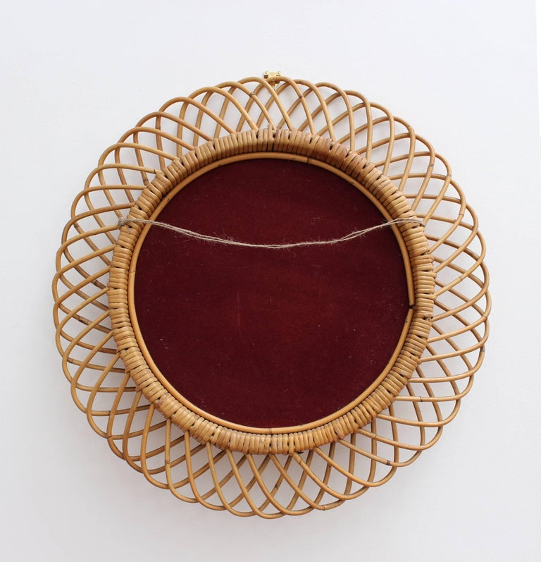 Italian Sunburst Rattan Wall Mirror (circa 1960s) For Sale 1