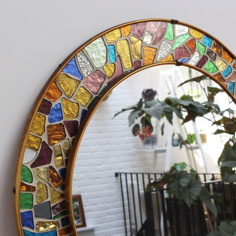 Mid-century Spanish Mosaic Round Wall Mirror, circa 1960s In Good Condition For Sale In London, GB