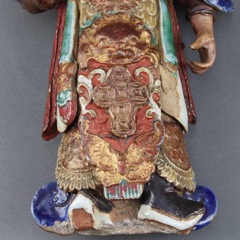 Set of Two 19th Century Chinese Earthenware Decorative Wall-Hanging Figures For Sale 2