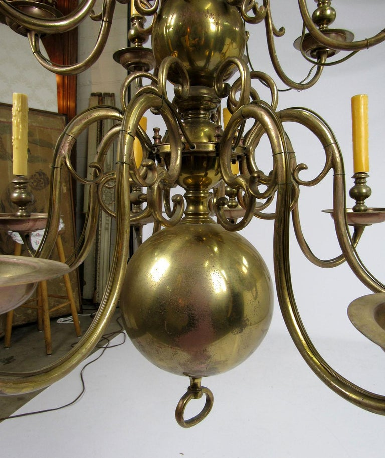 Early 20th Century Dutch Brass Two-Tier Chandelier For Sale 4