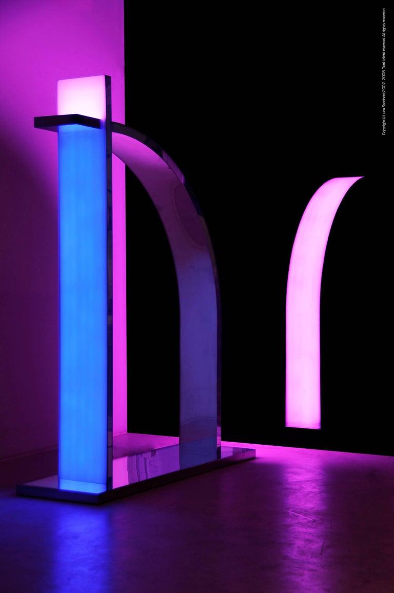 Italian Le Baiser Luminous Sculpture in Stainless Steel with Revolving Led Lightings For Sale