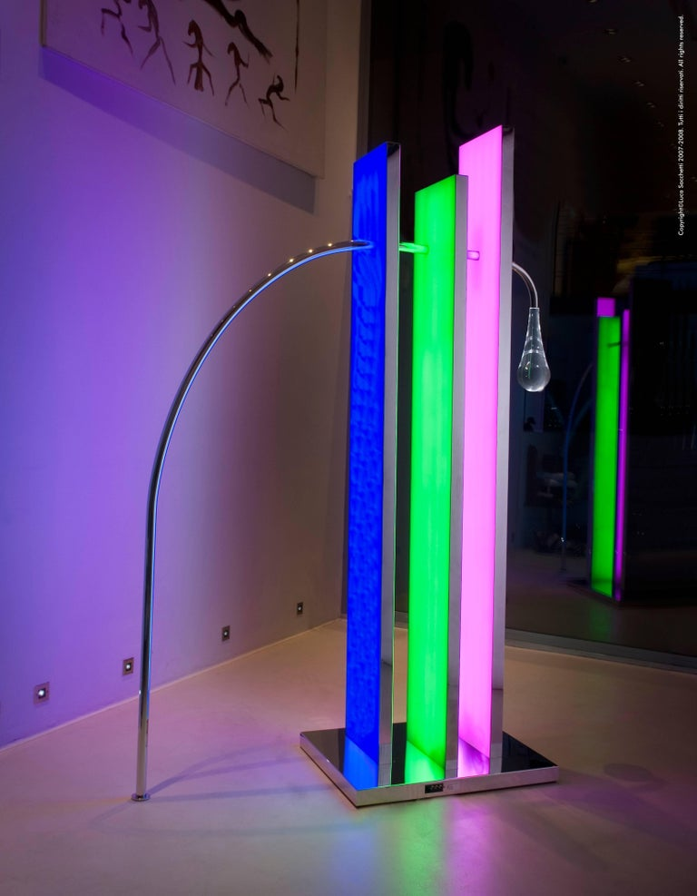 Cry in the City of Tokyo Luminous Sculpture with Led Lightings In New Condition For Sale In Firenze, IT