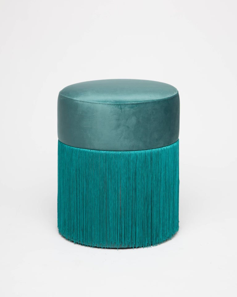 Pouf Pill Musk Green in Velvet Upholstery with Fringes In New Condition For Sale In Firenze, IT