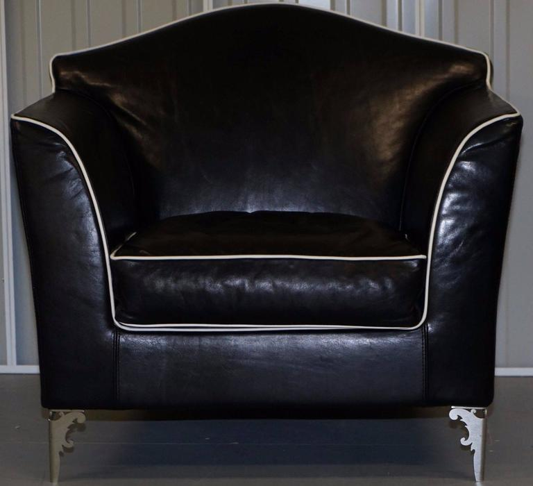 Hand-Carved Pair of IPE Cavalli Nella Vertrina Avalon black leather Contemporary armchairs  For Sale