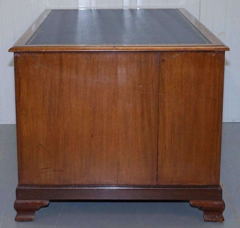 Original Double Sided Twin Pedestal Victorian Mahogany Partner Desk For Sale 2