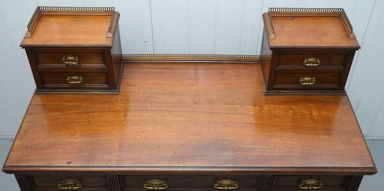 British James Jas Shoolbred & Co Victorian Mahogany Desk, circa 1850 For Sale