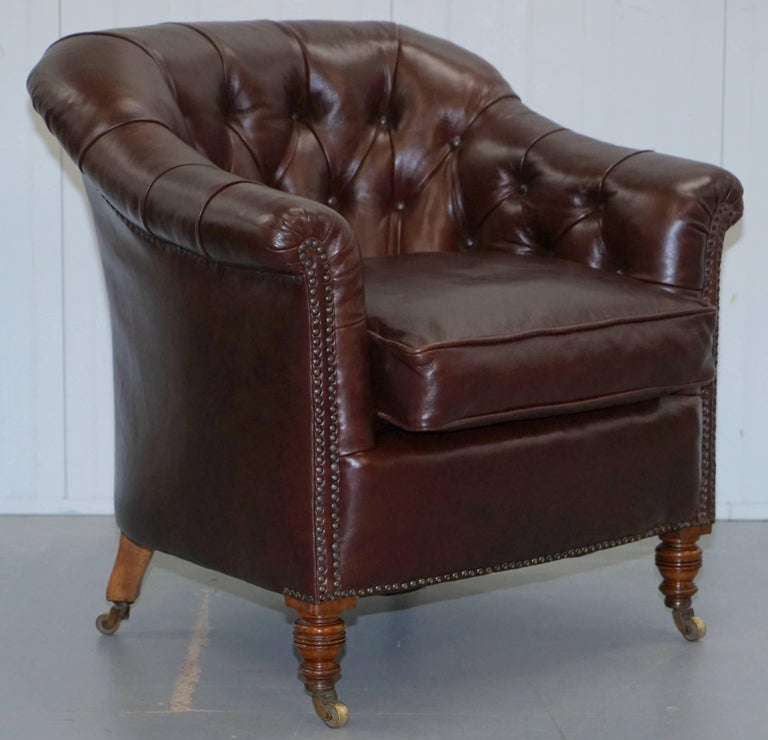Pair of Fully Restored Howard & Sons Brown Leather Fully Stamped Club Armchairs For Sale 1