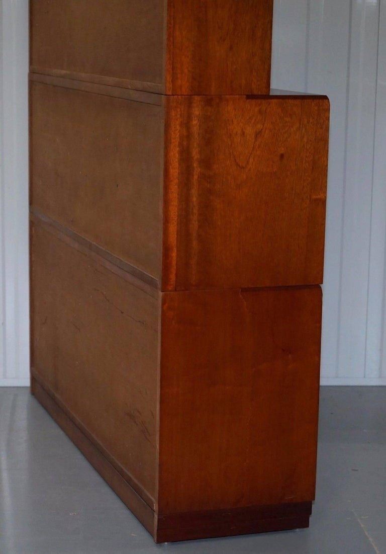 1960s Simplex Mahogany Full Sized Library Stacking Bookcases Five-Piece In Good Condition For Sale In London, GB