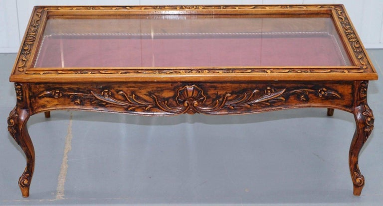 We Are Delighted To Offer For This Lovely Vintage Solid Carved Wood Display Case Coffee
