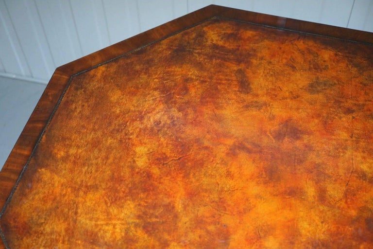 British Fully Stamped Regency circa 1820 Octagonal Drum Center Table Brown Leather Top For Sale