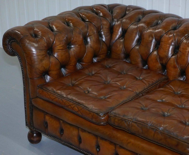 Edwardian Fully Sprung Thomas Chippendale Restored Aged Brown Leather Chesterfield Sofa For Sale