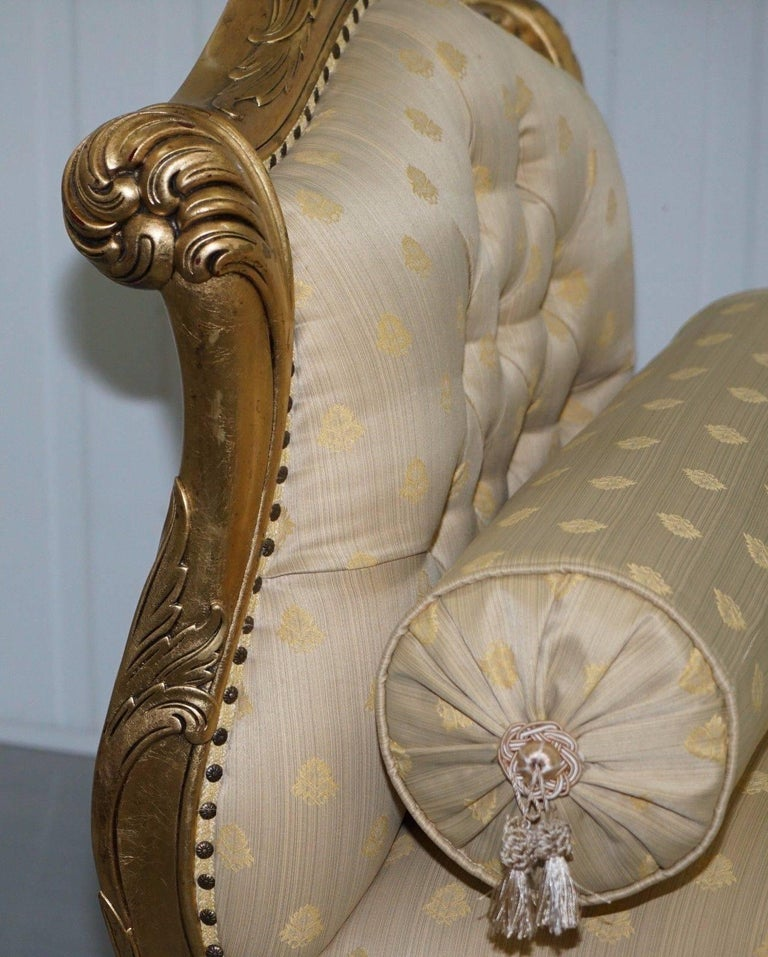 British Large 3-4 Seat Victorian Gold Leaf Painted French Daybed or Chaise Longue For Sale