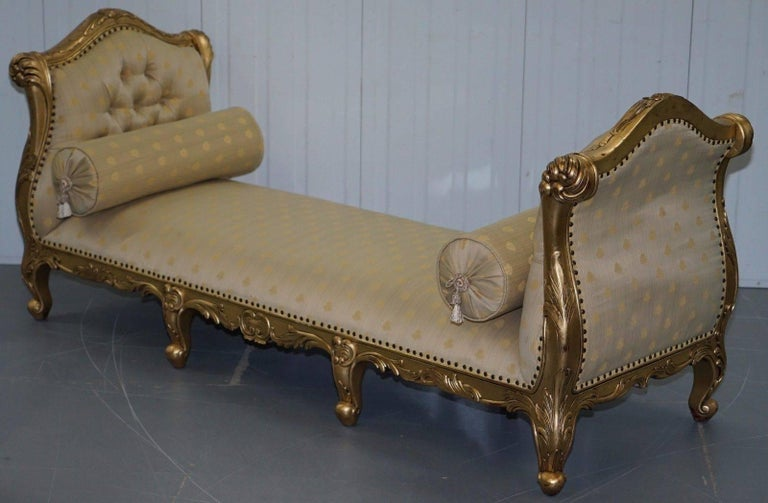 Large 3-4 Seat Victorian Gold Leaf Painted French Daybed or Chaise Longue For Sale 2