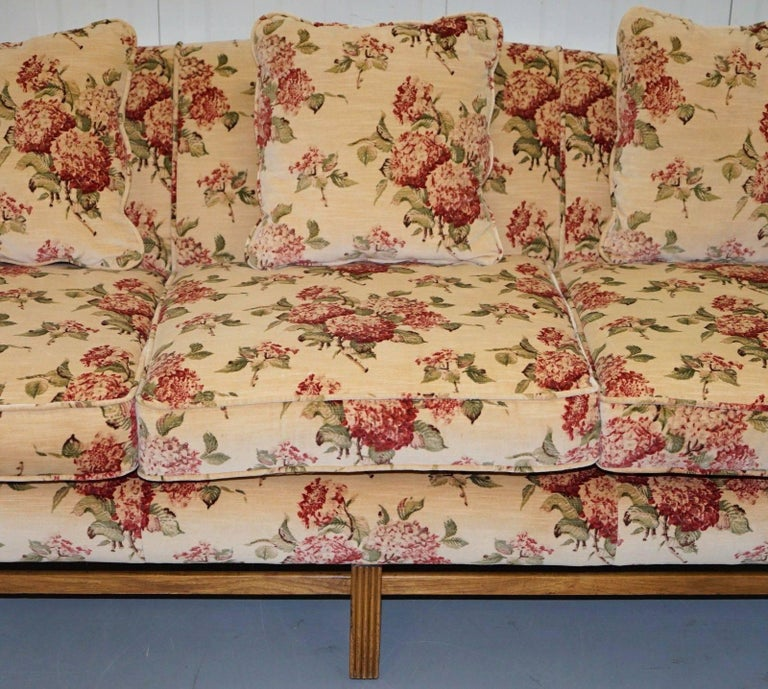 Hand-Crafted Regency Chippendale Style Camel Back Humpback Floral Upholstery Large Sofa For Sale