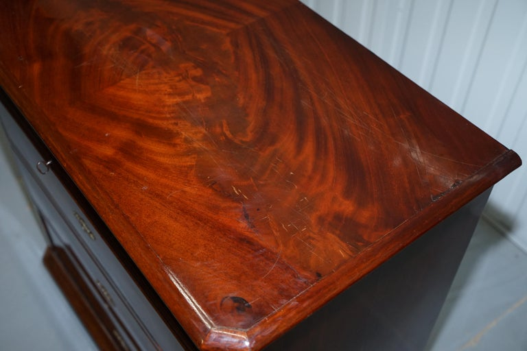 Stunning Biedermeier Flamed Mahogany Small Chest of Drawers Rare Find circa 1820 For Sale 1