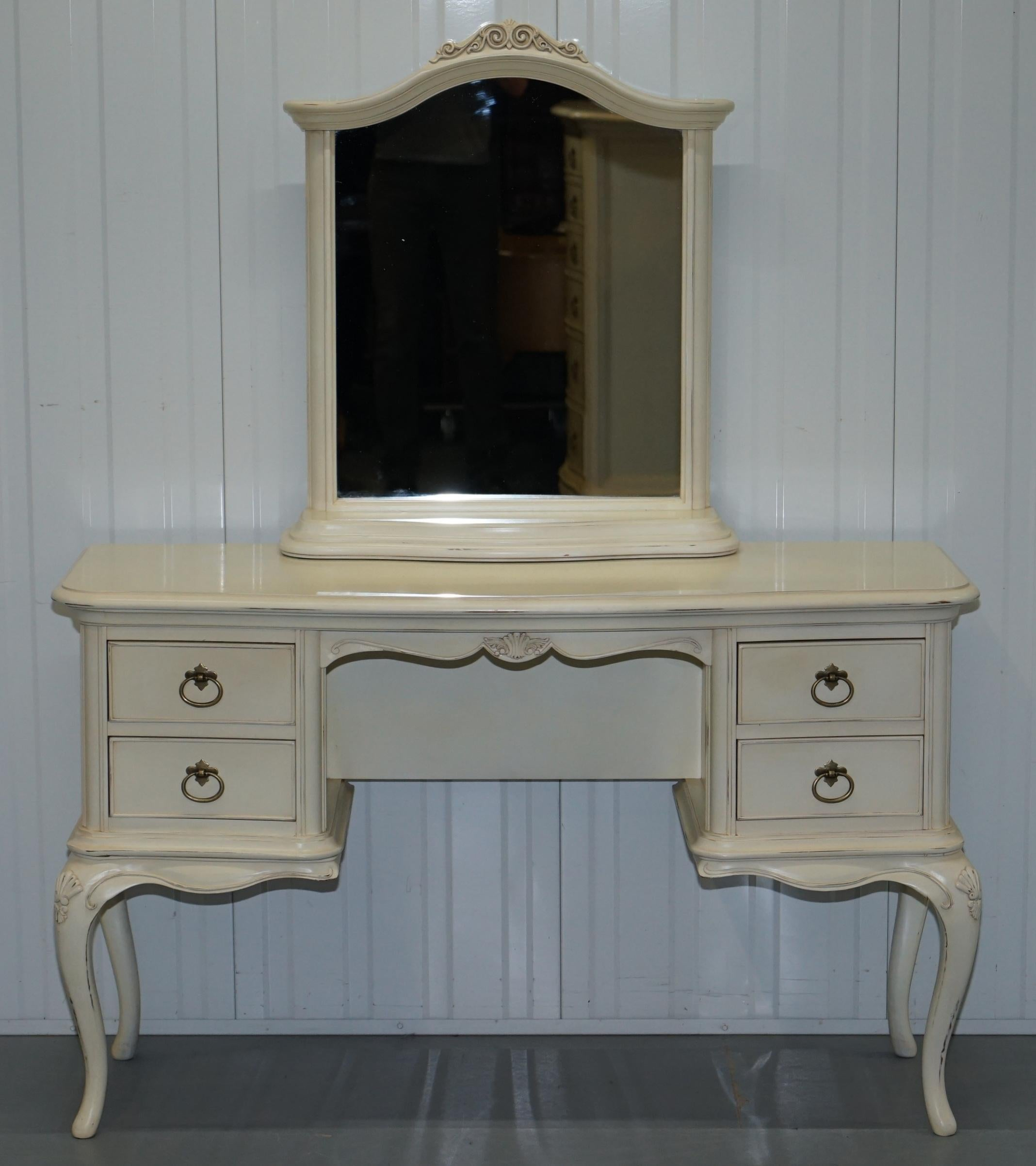 French Provincial Willis Gambier Ivory Collection Dressing Table Mirror U0026  Chair French Collection For Sale