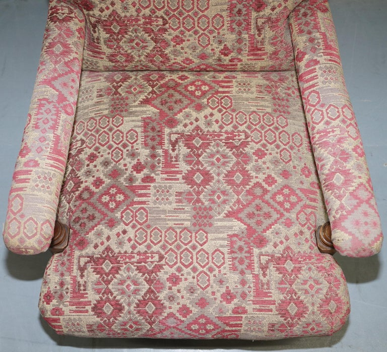 Rare Victorian Walnut Framed Kilim Upholstered Howard Library Reading Armchair In Good Condition For Sale In London, GB