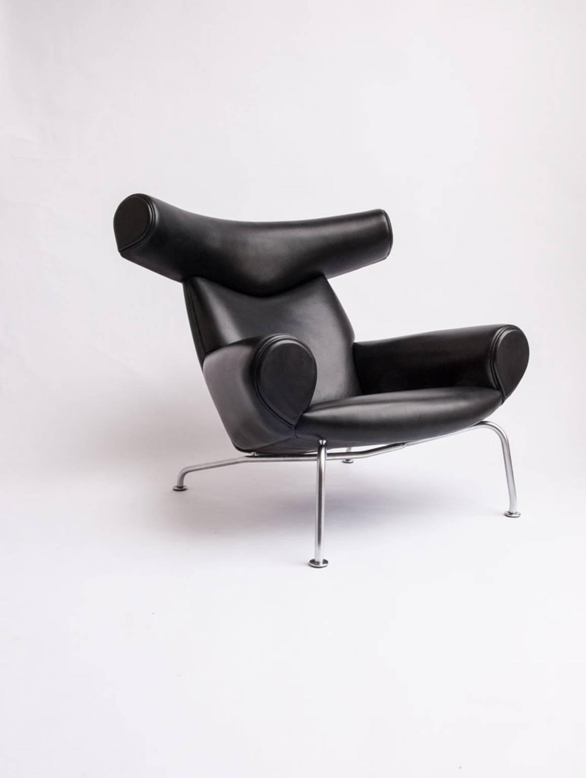 Scandinavian Modern Hans J. Wegner Ox Chair Model EJ 100 For Sale
