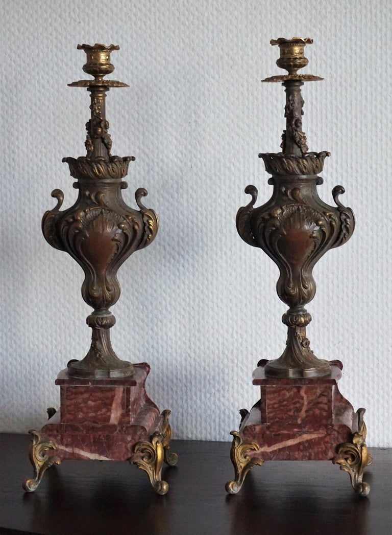 19th Century Pair of Tall Classical Bronze Urn Candleholders on Red Marble Base For Sale 1
