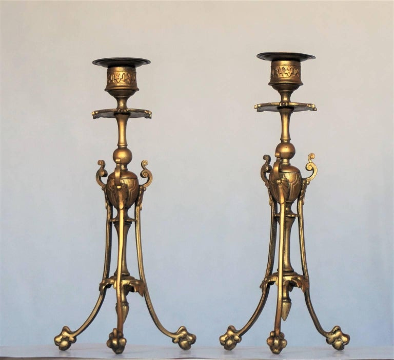 Mid-19th Century Pair of French Empire Style Gilt Bronze Candleholders In Good Condition For Sale In Frankfurt am Main, DE