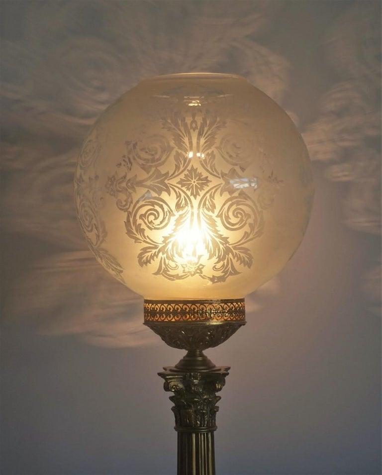Ende des 19. Jahrhunderts hohen französischen Empire-Stil vergoldete Bronze Kerzenleuchter Tischleuchte 4