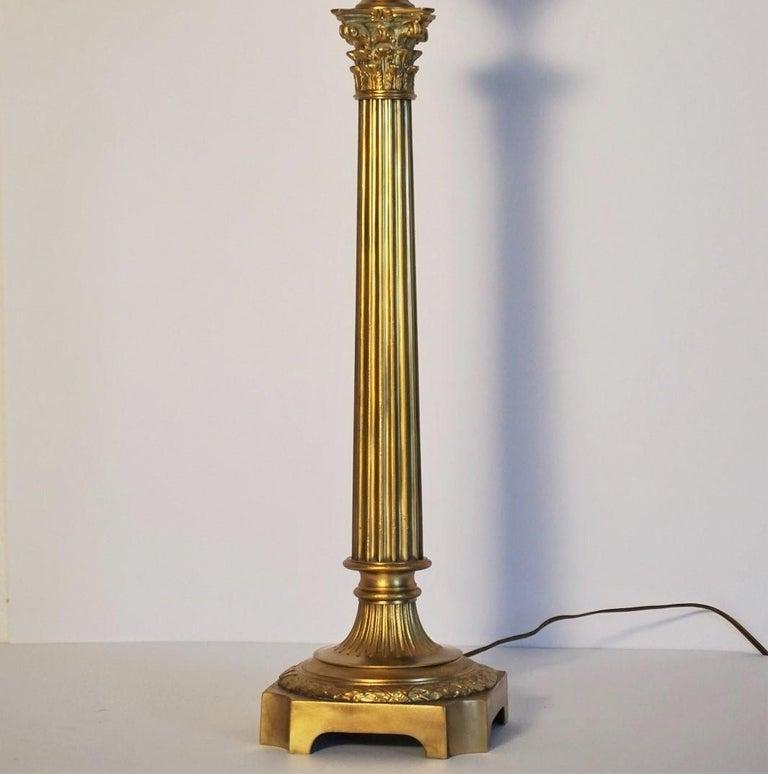 Ende des 19. Jahrhunderts hohen französischen Empire-Stil vergoldete Bronze Kerzenleuchter Tischleuchte 5