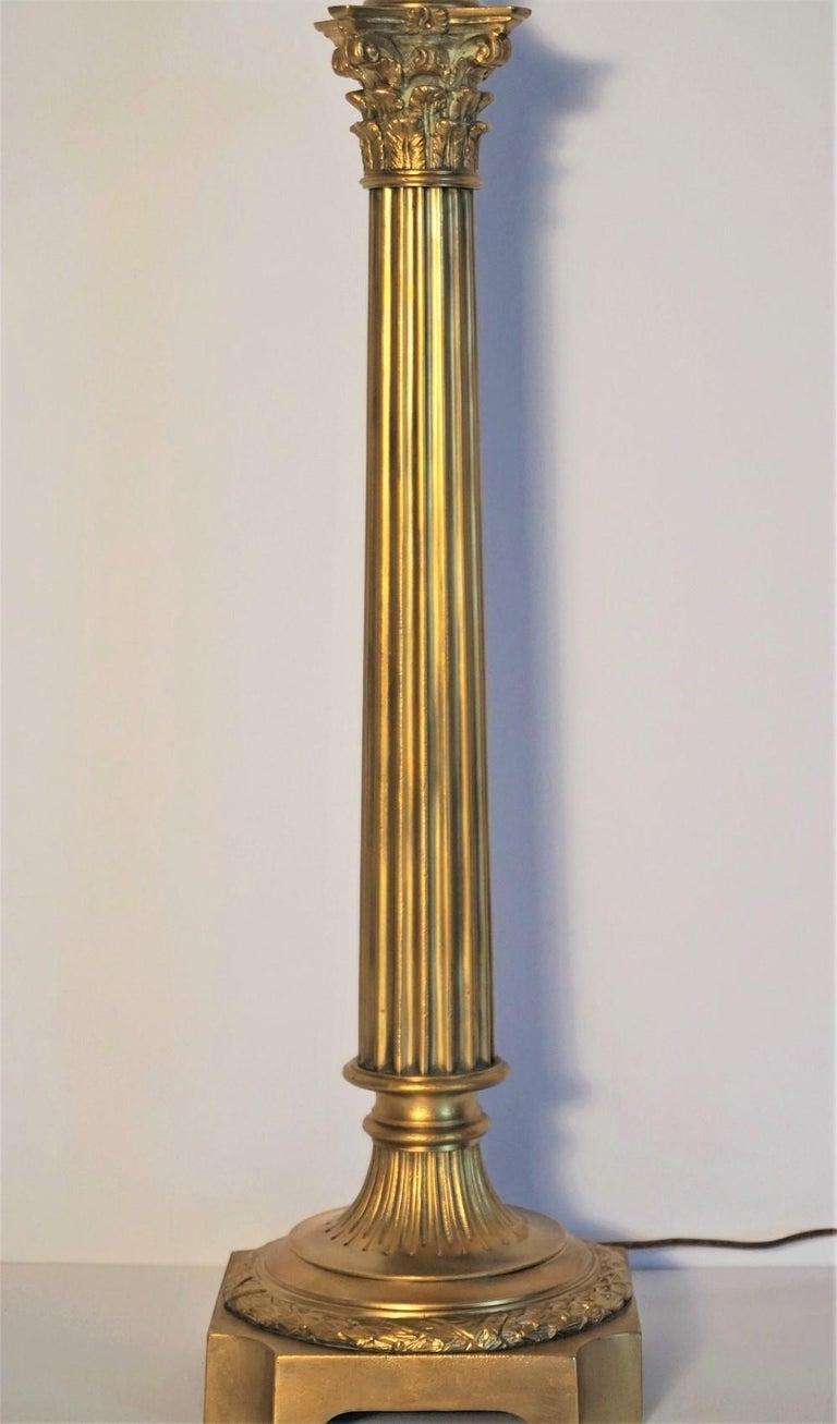 Ende des 19. Jahrhunderts hohen französischen Empire-Stil vergoldete Bronze Kerzenleuchter Tischleuchte 6