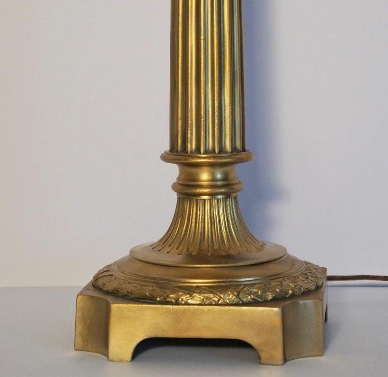 Ende des 19. Jahrhunderts hohen französischen Empire-Stil vergoldete Bronze Kerzenleuchter Tischleuchte 8