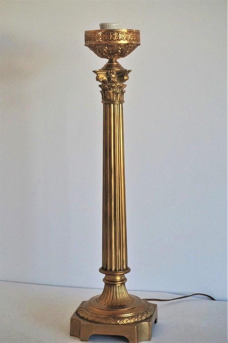Ende des 19. Jahrhunderts hohen französischen Empire-Stil vergoldete Bronze Kerzenleuchter Tischleuchte 9