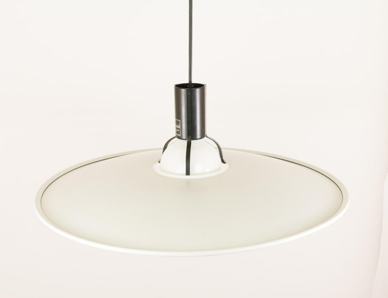 Modern Pendant Model 2133 by Gino Sarfatti for Arteluce, 1970s For Sale