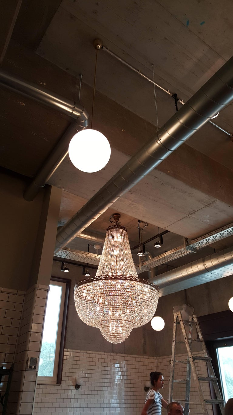Contemporary Crystal Chandelier Empire Sac a Pearl Big Large Palace Lamp Chateau Lustre For Sale
