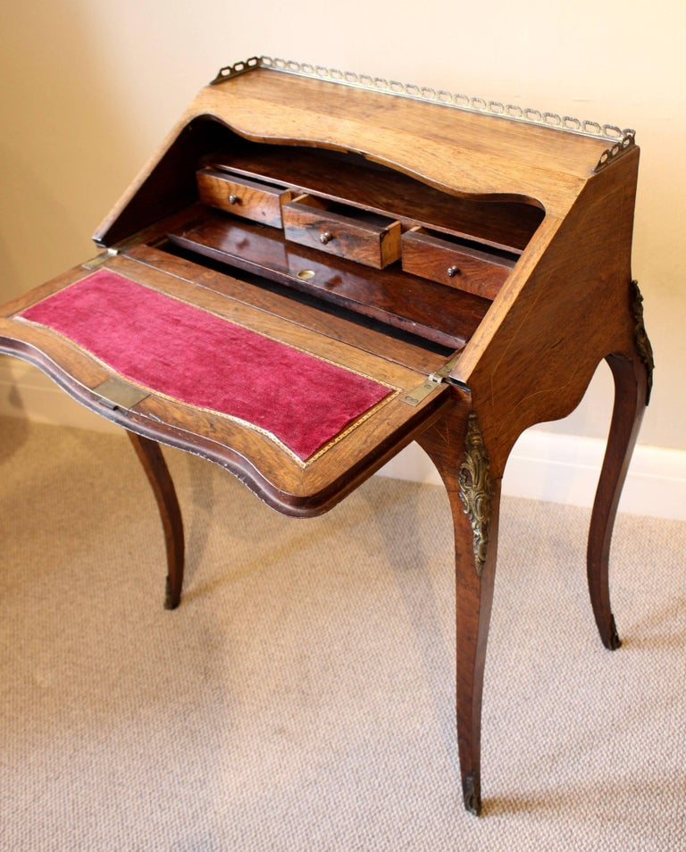 19th Century French Rosewood Ladies Writing Bureau or Bureau De Dame For Sale 2