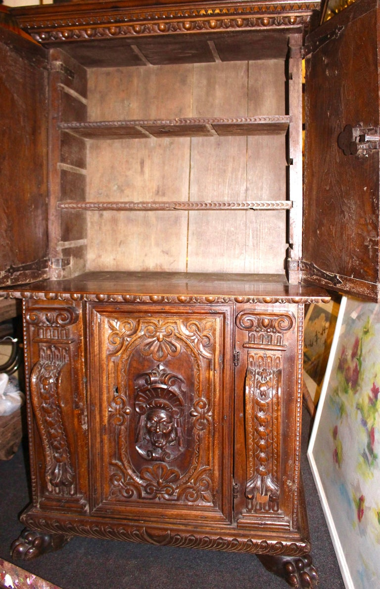 Italian Baroque Carved Walnut Cupboard, 17th Century For Sale 4