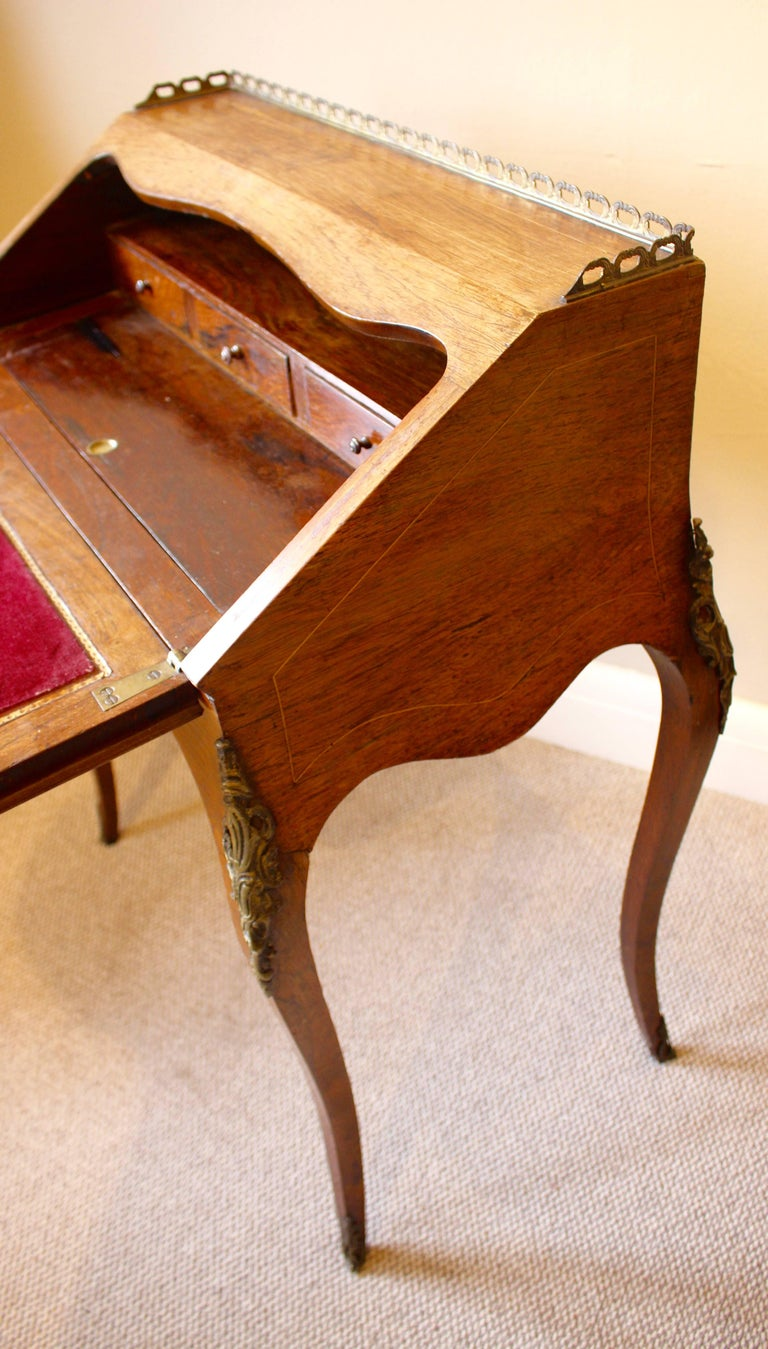 19th Century French Rosewood Ladies Writing Bureau or Bureau De Dame For Sale 1