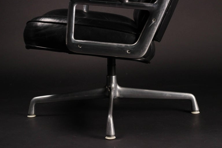 Modern Charles & Ray Eames Time Life Lobby Chair