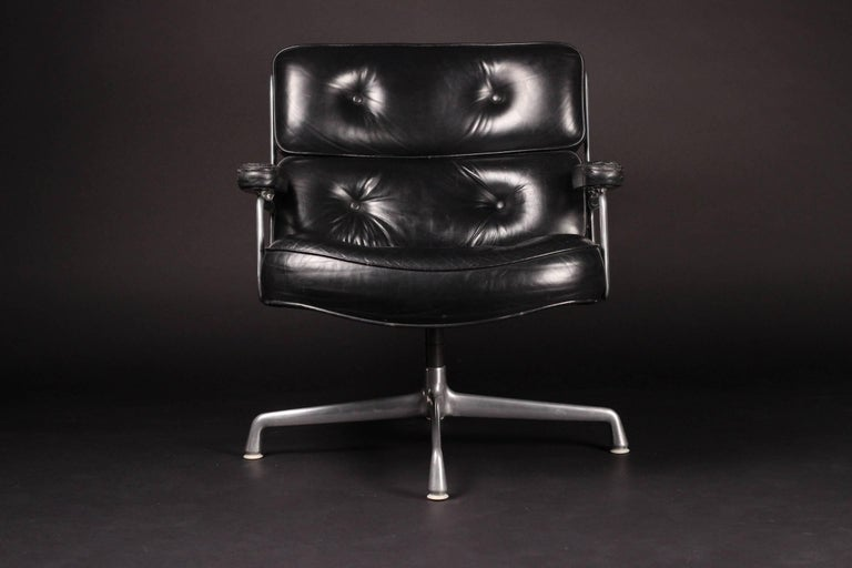 American Charles & Ray Eames Time Life Lobby Chair