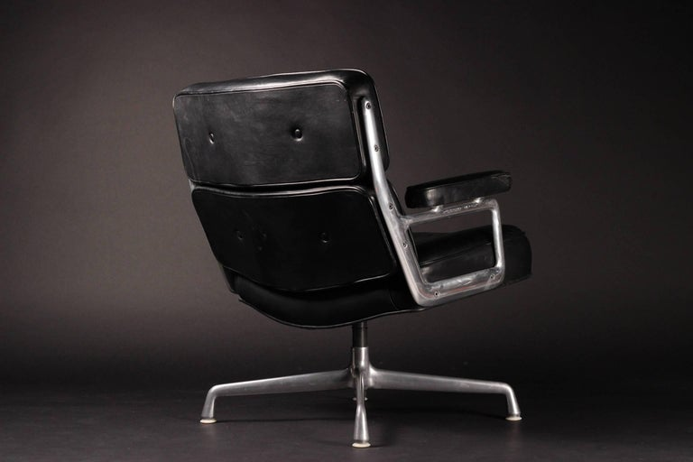 Charles & Ray Eames Time Life Lobby Chair 1