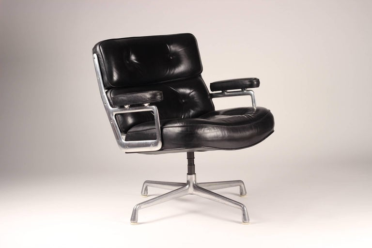 Charles & Ray Eames Time Life Lobby Chair 2