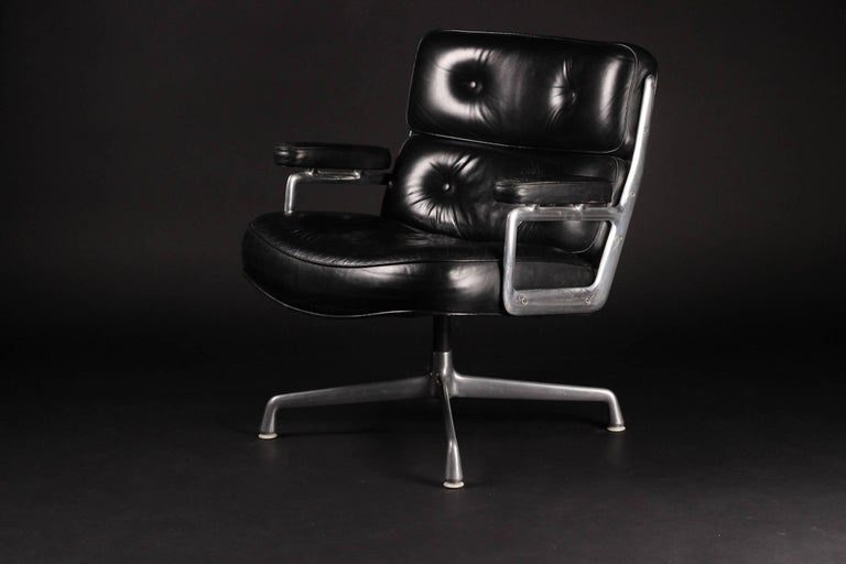 Charles & Ray Eames Time Life Lobby Chair 3