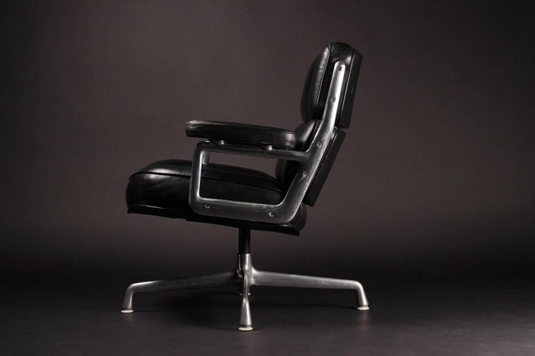 American Charles & Ray Eames Time Life Lobby Chair For Sale