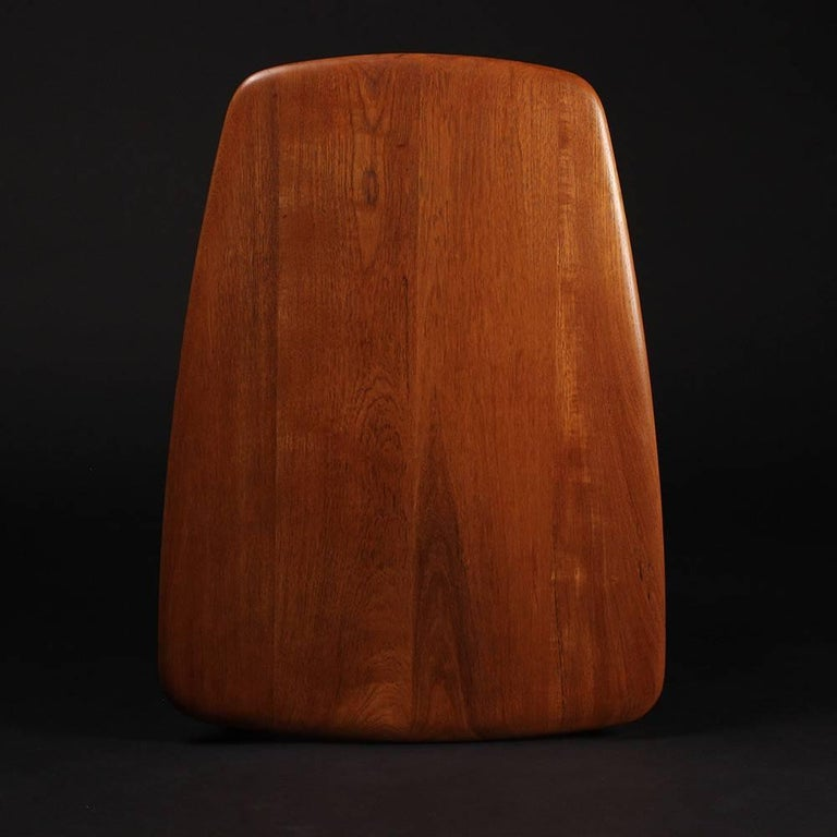Scandinavian Modern  Teak End or Side Table by Peter Hvidt  In Good Condition For Sale In London, GB