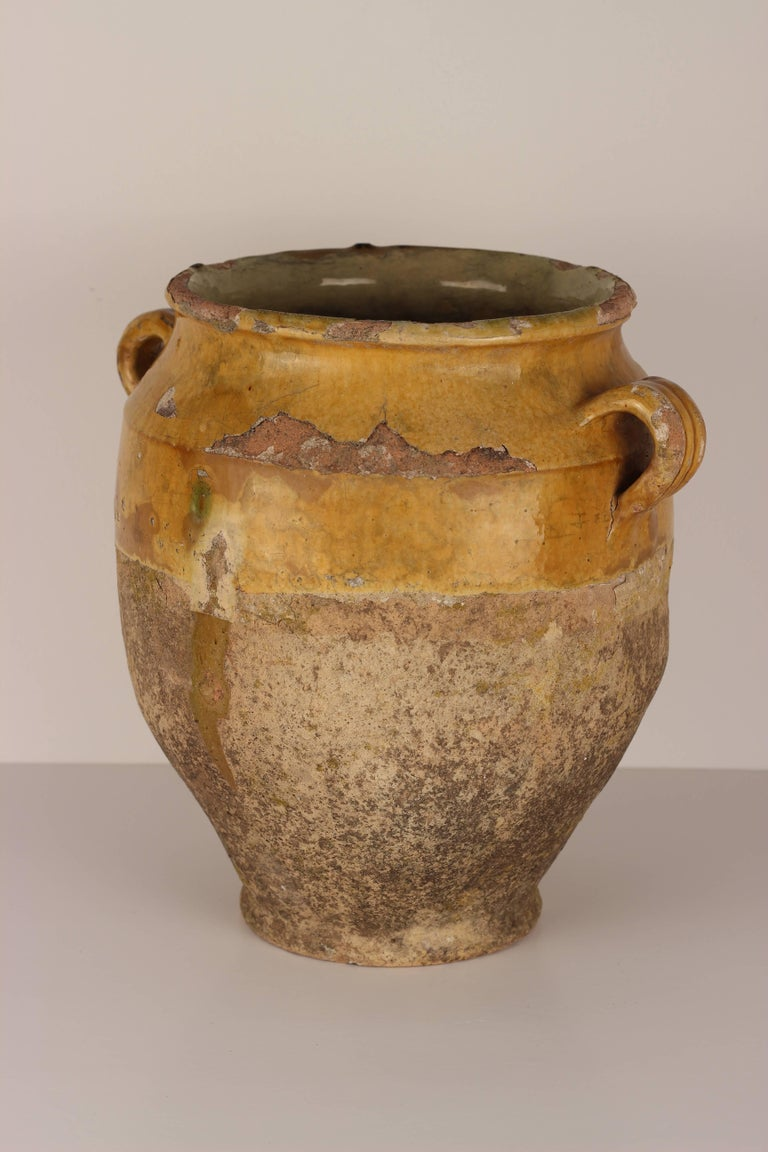 Hand-Crafted Decorative Confit Pot from the South of France, 19th Century For Sale