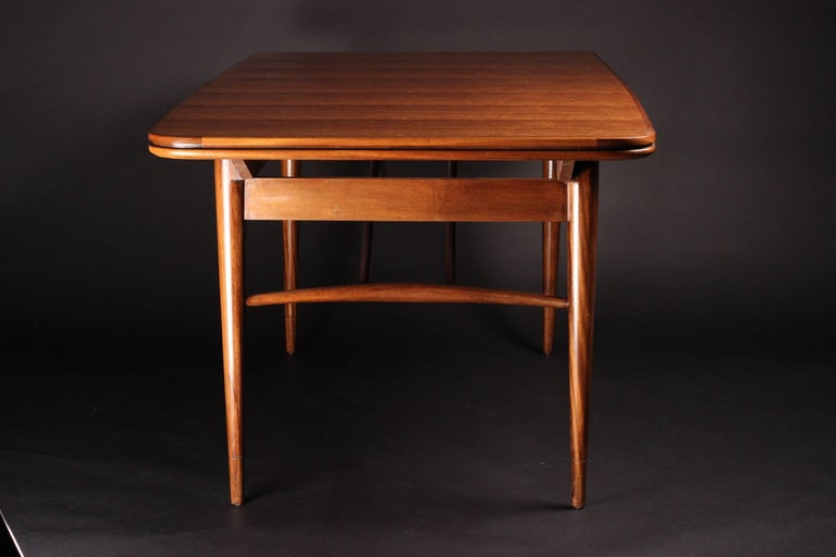 Mid-Century Modern Dining Table by Robert Heritage for Archie Shine In Good Condition For Sale In London, GB