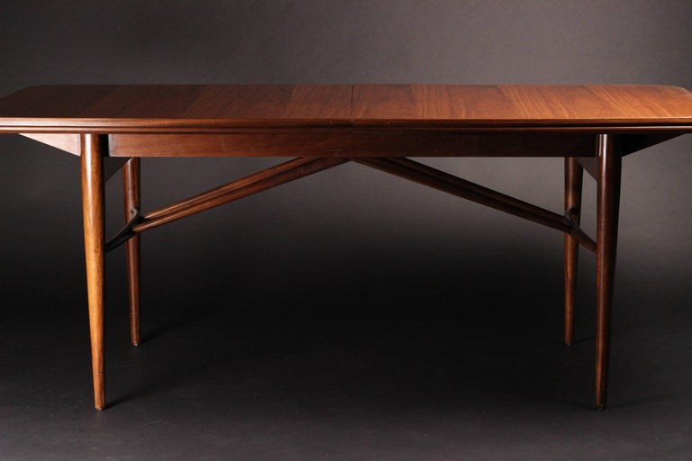 Mid-20th Century Mid-Century Modern Dinning Table by Robert Heritage for Archie Shine For Sale