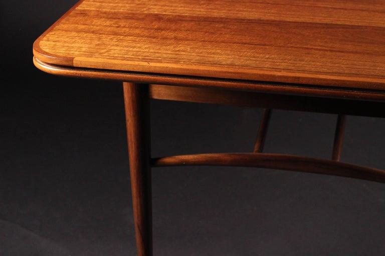 Mid-Century Modern Dining Table by Robert Heritage for Archie Shine For Sale 1