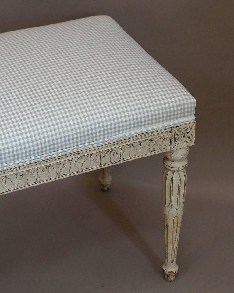 Later Swedish Bench in the Gustavian Style In Excellent Condition For Sale In Sheffield, MA