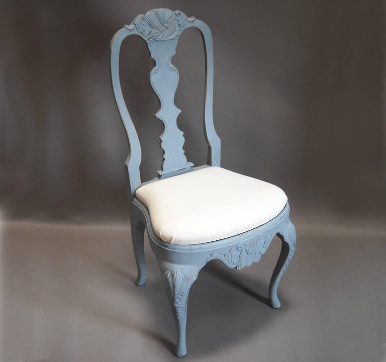Set of Eight Rococo Style Dining Chairs In Excellent Condition For Sale In Great Barrington, MA