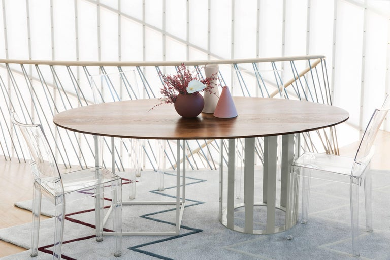 The Flux dining series comes in nearly endless combinations of shapes, surfaces, and colors. The Flux series can be customized to accomplish any dining design goal. We call that fluxability.  Customize your own with our assortment of surface and