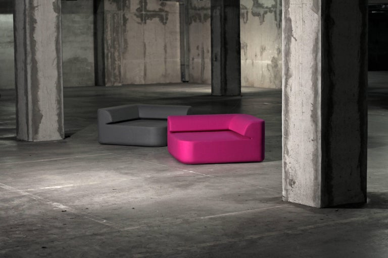 The Quad sofa is a small lounger that redefines how you relax. Put several together and you can also redefine your space. Create a two-seat sofa or an island, and take advantage of a wide range of bright colors. Upholstered in high-quality fabric,