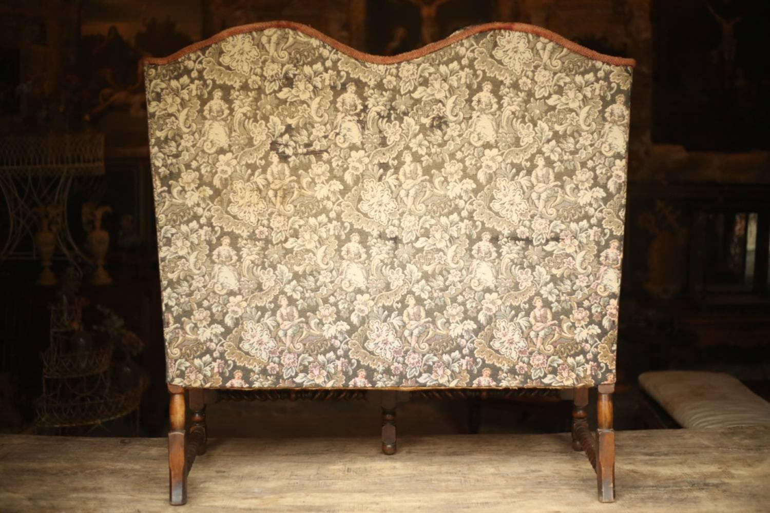 Early 20th Century Wingback Sofa In Tapestry Fabric For Sale 4
